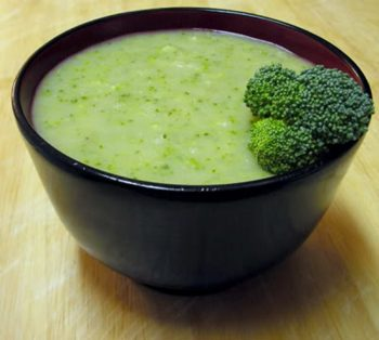 Món cháo bông cải thịt bò kích thích vị giác của bé