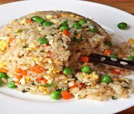 Món cơm chiên dương châu cho người ăn chay