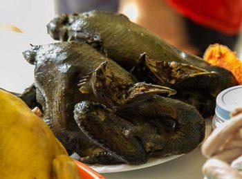 Thịt gà đen Sa Pa - món ăn bạn không nên bỏ qua