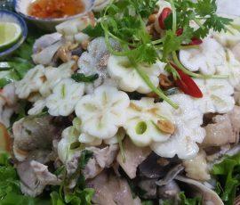 Món gỏi gà măng cụt xanh ngon nức tiếng Bình Dương