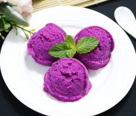 Món kem thanh long hồng bắt mắt