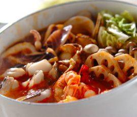 Món lẩu hải sản ngọt thơm nóng hổi