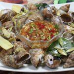 Món ốc hương nướng ăn cùng nước chấm pha chuẩn vị