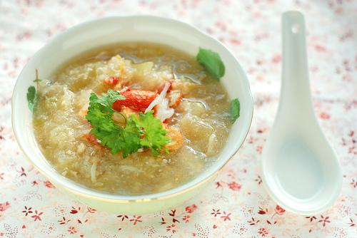 Món súp đậu bí ngô tôm tươi cho bé biếng ăn