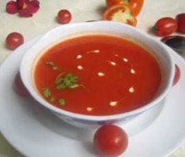 Món súp kem cà chua sắc đỏ cực hấp dẫn