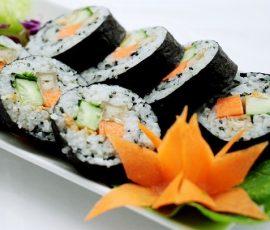 Món sushi chay từ rau củ đơn giản mà ngon tuyệt