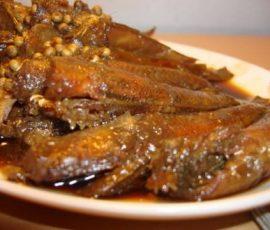 Cá bống sông Trà rim khô món ăn dân dã nơi xứ Quảng