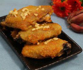 Món cánh gà nướng bơ tỏi giòn tan thơm nức mũi