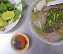 Quán hủ tiếu ngon nổi tiếng giữa lòng Sài Gòn
