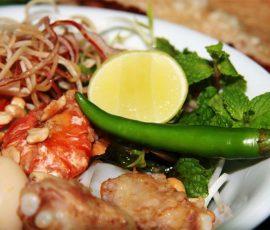Món đặc sản Quảng Nam giữa Sài Thành