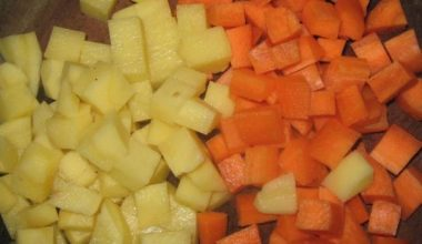 Cà rốt, khoai tây thái hình vuông quân cờ