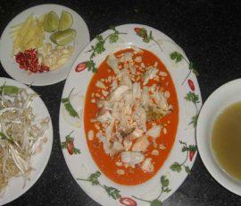 Món tiết canh cua - đặc sản ngon tuyệt ở Phú Quốc