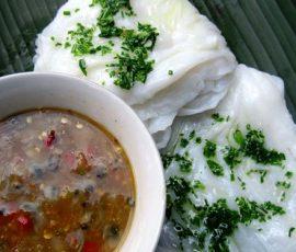 Bánh ướt chấm mắm sò đặc sản nức tiếng của Phú Yên
