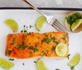 Món cá hồi nướng chanh ngò bổ dưỡng cho cả nhà