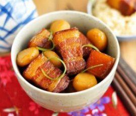 Món thịt kho tàu với trứng cút mang vị ngon đặc trưng