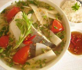 Món canh cá nấu măng chua ngon tuyệt giải nhiệt