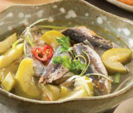 Món canh cá nục bầu chua dân dã chiêu đãi cả nhà