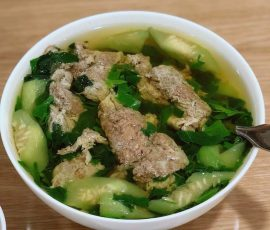 Món canh cua rau đay thanh mát cho bữa cơm ngày hè