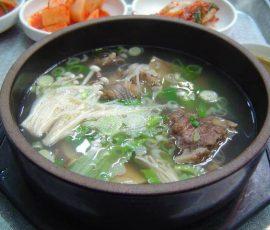 Món canh sườn bò Hàn Quốc ngon mê ly