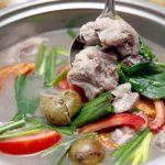 Món canh sườn nấu sấu cho bữa cơm ngày hè