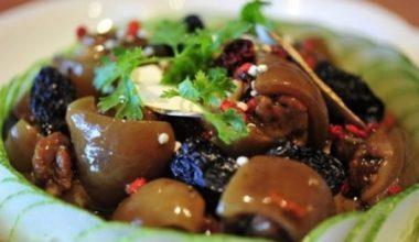 Món chân dê hầm thuốc bắc đơn giản mà giàu dinh dưỡng