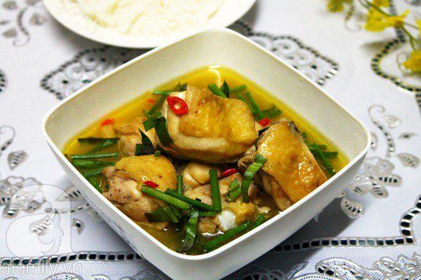 Món gà nấu mẻ cho bữa trưa ngon không cưỡng nổi