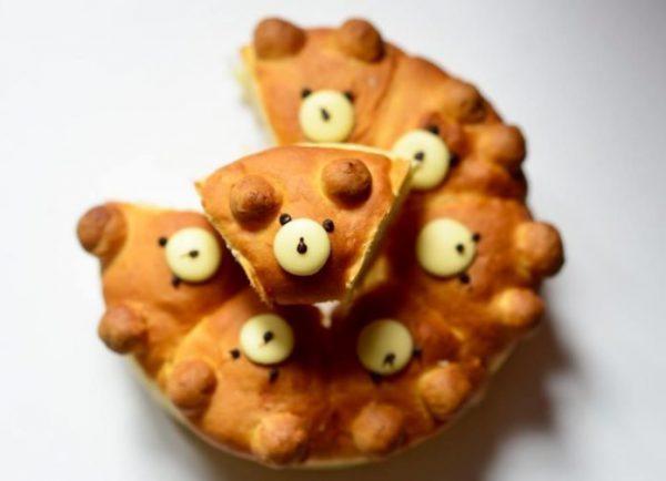 Thưởng thức chiếc bánh Chigiri Pan thơm ngon