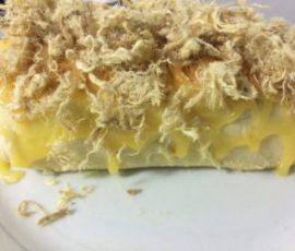 Món bánh mỳ chà bông nhân phô mai cho bữa sáng