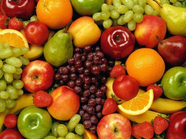 Ăn trái cây khi đói
