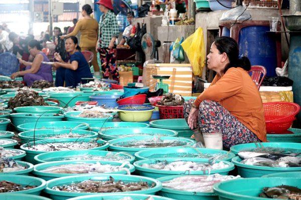 Khu chợ bán hải sản tươi sống