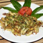 Món nhộng ong xào độc đáo của vùng trung du