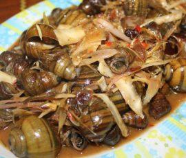 Món ốc xào me dừa nạo cay ngọt ngon khó cưỡng