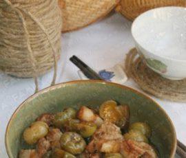 Món thịt ba chỉ om cà pháo muối chua ngon lạ miệng