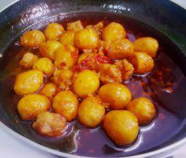 Món trứng cút rim sa tế đậm đà đưa cơm ngày lạnh