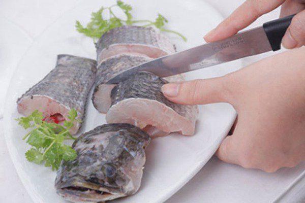 Cá lóc làm sạch cắt khoanh vừa ăn