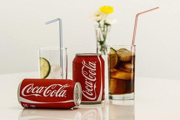 Đồ uống năng lượng và Soda