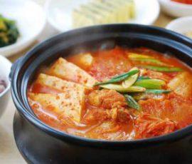 Món canh kim chi chuẩn vị Hàn cho ngày se lạnh