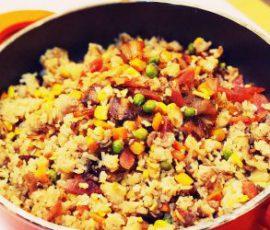 Món với cơm rang thập cẩm đổi vị cho bữa sáng