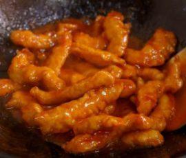 Món thịt heo chiên giòn sốt chua ngọt mới lạ