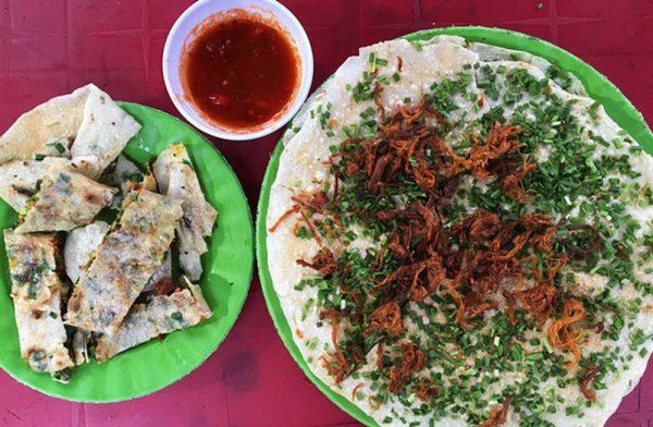 Món bánh tráng mắm ruốc Quảng Ngãi