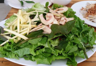 Món gỏi cá Nam Ô đặc sản đậm chất biển Đà Nẵng