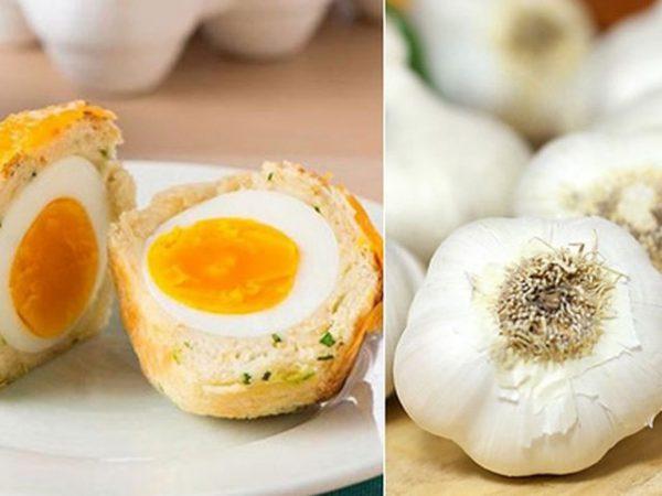 Ăn tỏi cùng với trứng có gây nguy hiểm chết người?
