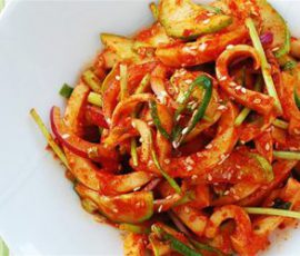 Món salad mực kiểu Hàn Quốc ngay tại nhà