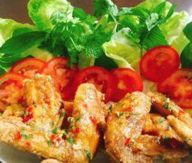 Món cánh gà chiên sốt chua cay kiểu Thái