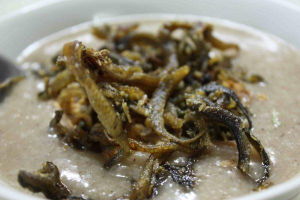 Cháo lươn, một món ăn ngoài giá trị dinh dưỡng, còn mang lại cho người thưởng thức 1 thứ cảm xúc hân hoan, dễ chịu đến khó tả bởi cả giá trị tinh thần của nó.