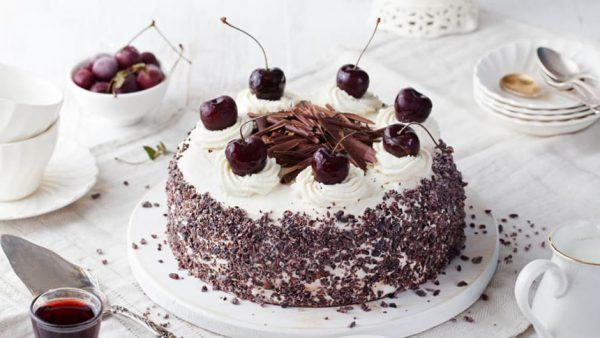 Món bánh Black Forest Cake của Đức