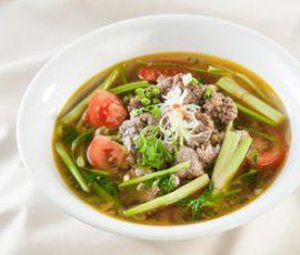 Món canh cua rau cần thanh mát cho ngày nắng