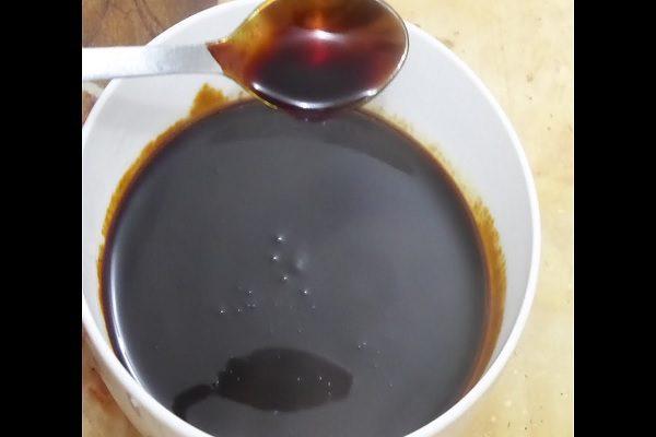 Thắng nước màu kho cùng cá