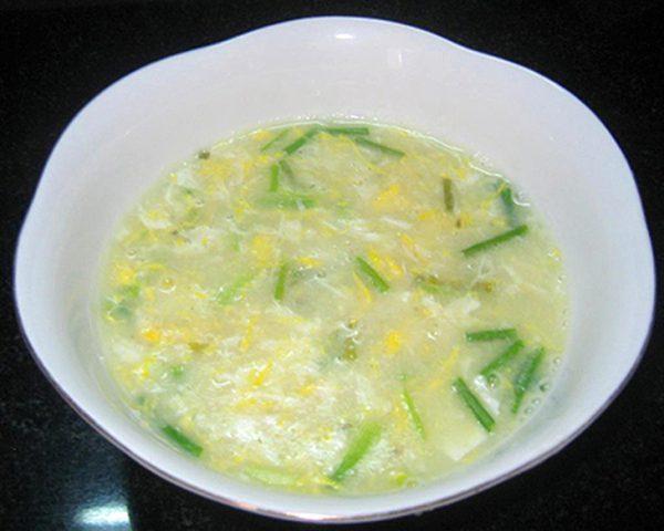 Cháo trứng bằng cháo ăn liền