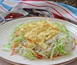 Món bún gạo xào hấp dẫn cho bữa sáng